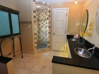 Luxurious bath including 5-jet shower and separate water closet