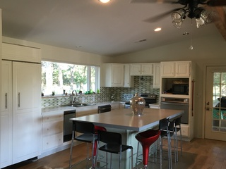 Fully stocked kitchen, 2 ovens, retro Sub Zero fridge, ice maker, dishwasher