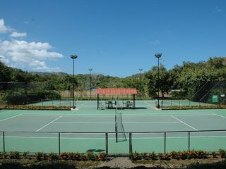 Tennis Courts at Coco Bay Estates that guests can use