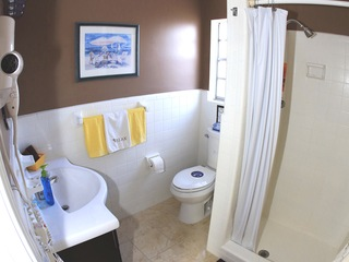 ...click on image to see full view of 3rd full bathroom